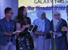 Psikolog Vera Itabiliana, Mumu, Vebbyna Kaunang, Nia Soewardi dari YKBH, Elma Fitria dari Semai 2045, dan Shahnaz Haque