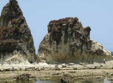 Tanjung Layar di kawasan Sawarna