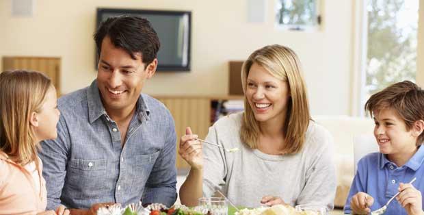 menjaga komunikasi keluarga