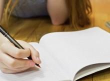 Menulis Tangan Dukung Kecerdasan Si Kecil