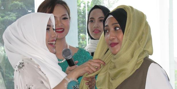 Tutorial hijab dari Jenahara