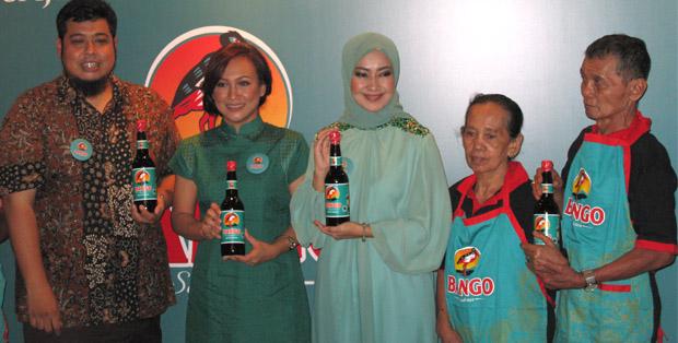 Arie Parikesit, Meila Putri Handayani, Alya Rohali dan pemilik Tongseng Petir Pak Nano