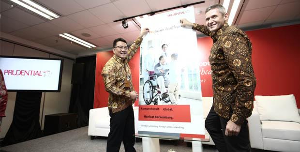 Bapak Rinaldi Mudahar - Country CEO Prudential Indonesia dan Bapak Jens Reisch - President Director Prudential Indonesia meluncurkan produk PRUprime healthcare