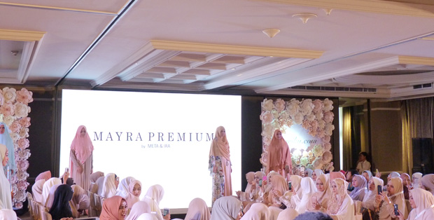 Foto : Syar'I Indonesia Fashion Show Hijab
