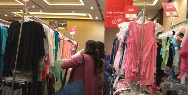 Para moms sibuk memilih produk brand ternama