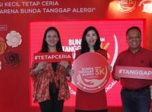 Anna Surti Ariani S.Psi., M.Si., Psi, dr. Maria Melisa-Head of Tailored Nutrition Sarihusada, dan Prof. DR. Budi Setiabudiawan, dr., SpA(K), M.Kes, saat peluncuran Kampanye Bunda Tanggap Alergi dengan 3K