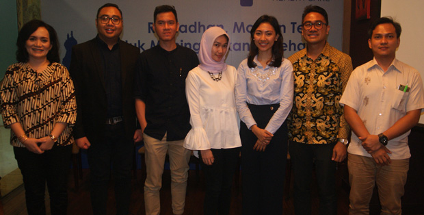 Tim medis Bamed Health Care berfoto bersama