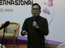 Dr. Roy Sibarani di Pekan Kesadaran Tiroid Internasional, Jakarta