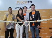 Foto Ki-Ka - Kun Arief Cahyantoro -  Staf Ahli Cyber & Pengamat eCommerce, Reni Minarti – Country Manager PriceZa Indonesia, Vachara – CPO PriceZa, Thanawat – CEO PriceZa