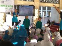 Anak-anak antusias mengikuti dongeng dari para karyawan Fonterra