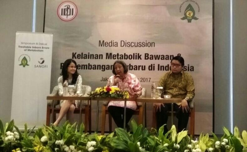 dr. Klara, Dr. Damayanti dan dr. Arya saat diskusi media