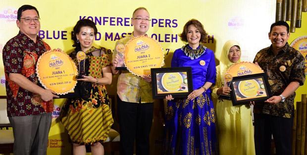 Para juara bersama Thomas Agus Pamudji, Vita Datau dan Chef Rahmat Kusnedi