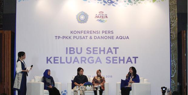"""Kolaborasi Danone AQUA dan Tim Penggerak PKK (TP-PKK) Pusat dalam program """"Ibu Sehat, Keluarga Sehat"""" sebagai usaha bersama untuk mendukung pencapaian Sustainable Development Goals (SDGs) tahun 2030."""