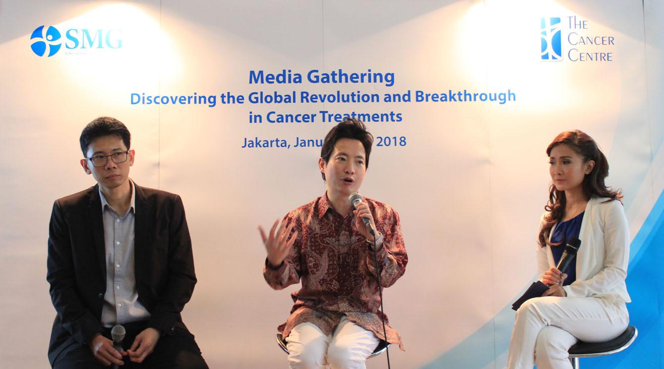 Arifin Ng dan Dr. Wong Seng Weng saat media gathering