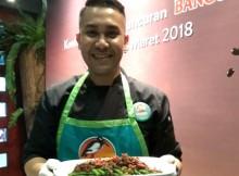 Chef Odie Djamil dengan Tumis Buncis Daging Cincang Bango Light karyanya