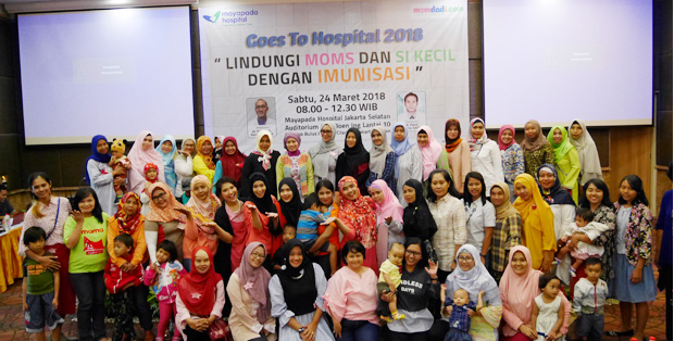 Foto Bersama momdadi.com Goes To Hospital 2018