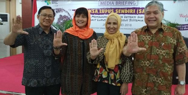 Dr. Sumariyono, SpPD-KR, MPH, Tiara Savitri, Direktur P2PTM dr. Cut Putri Ariani, MKes, dan dr. Asjikin Iman Hidayat Dachlan