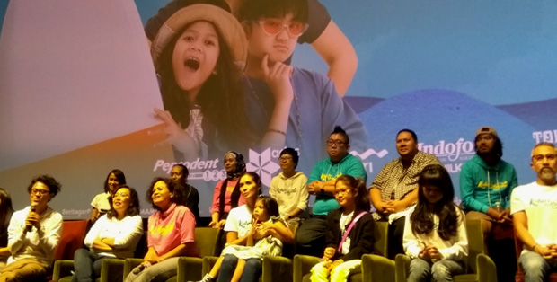 """""""Indonesia adalah tempatnya untuk bikin film perjalanan,"""" kata Riri Riza, sutradara Kulari Ke Pantai"""