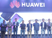 Foto : Jajaran BOD Huawei Berserta Mitra Kerja dan Distributor