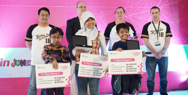 Foto : Pemenang EF Spelling Bee Competition 2018 Tingkat Nasional