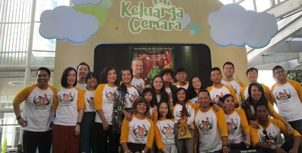 Keluarga besar Cemara usai press screening