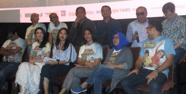 Sutradara, produser dan pemain Lagi-lagi Ateng usai press screening