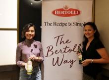 Foto : (kiri - kanan) Putri dari pakar kuliner Indonesia Bondan Winarno, Gwendoline Winarno dan Emilia Achmadi yang merupakan seorang nutrisionis