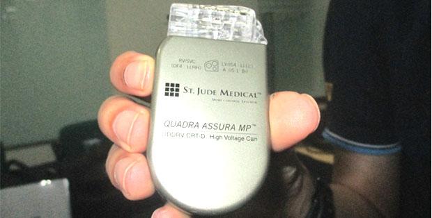 Generator Multipoint CRT yang dapat dipasang di bawah kulit pasien
