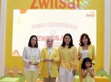 Foto [ki-ka] : Karamita Darusman, Maulani Affandi, Chitra Annisya, Artika  Sari Devi dan Zoe