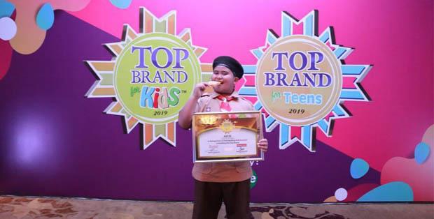 Fairel, Brand Ambassador es krim AICE menerima penghargaan TOP BRAND FOR KIDS 2019