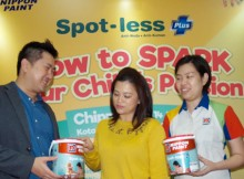 Foto (Ki-Ka) :  Mr. Jon Tan - CEO Decorative Paints Nippon Paint Indonesia, Elvina Lim Kusumo - Founder IndonesiaMontessori.Com (IMC),  Linda Kam - Marketing Manager Nippon Paint Indonesia