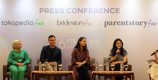 Foto (Ki-ka) : Pengusaha Rachel Vennya, Director Parentstory Garth Parlimbangan, VP of Marketing Bridestory Ayunda Wardhani, dan VP of Corporate Communications Tokopedia Nuraini Razak