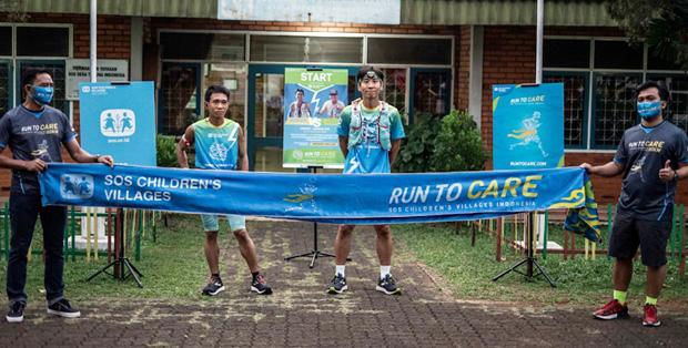 Foto : Hendra Siswanto dan William Lesmana Pecahkan Rekor Berlari 155 Kilometer Cibubur-Lembang Untuk Kehidupan Anak Indonesia
