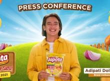 Adipati Dolken sebagai Brand Ambassador Japota dari Calbee Wings